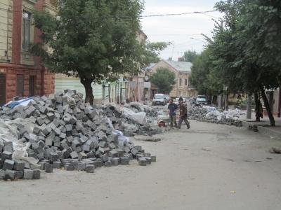 Вулицю Хмельницького планують закінчити на початку жовтня (ФОТО)