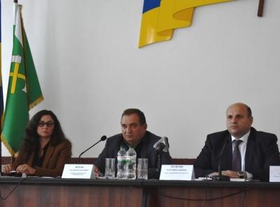 Депутатські «гастролі» замість рішень: хто «валить» об'єднання громад на Буковині
