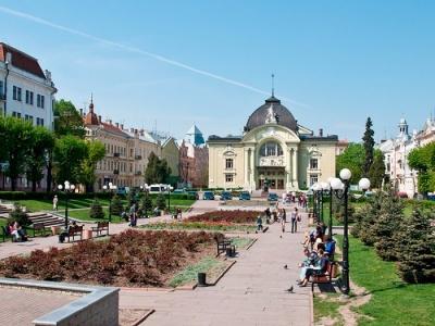 Каспрук розповів, коли розпочнуть капремонт Театральної площі Чернівців
