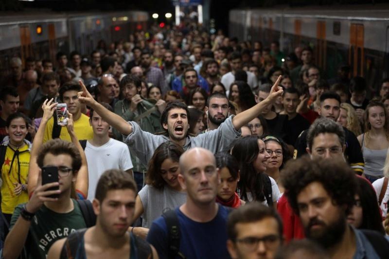 Прем'єр Іспанії невиключає, щоКаталонію можуть позбавити статусу автономії