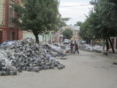 Мер Чернівців натякнув про завершення ремонту вулиці Богдана Хмельницького