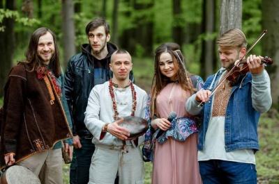 Черновицкая группа «Трип трех» представила мистическую композицию «Ведьма и Мольфар»