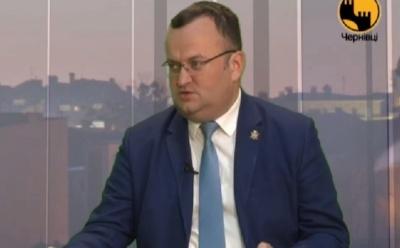 Секретаріада: мер Чернівців заявив, що кожному депутату «щось обіцяно» за підпис