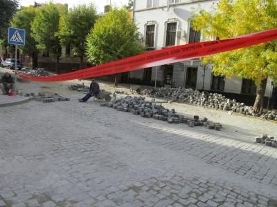 Вулицю Богдана Хмельницькогого відкрили для транспорту (ВІДЕО)