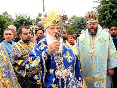 У Чернівцях глава УПЦ КП Філарет освятив Собор Різдва Христового і помолився за майбутнє України (ФОТО)