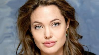 Гвінет Пелтроу і Анджеліна Джолі заявили про сексуальні домагання з боку продюсера Вайнштейна