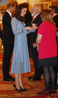 Вагітна Кейт Міддлтон вперше вийшла у світ після важкого токсикозу (ФОТО)