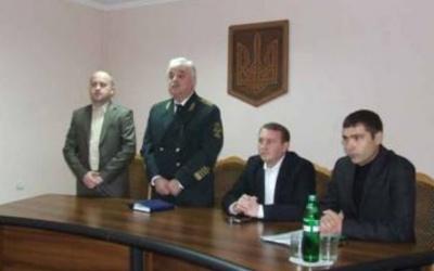 «Він мені не кум і не родич»: нардеп Рибак відхрестився від затриманого головного лісівника Буковини