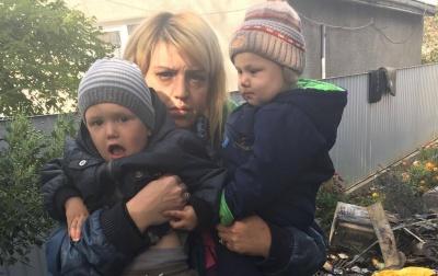 Мама и двое детей - без крыши над головой в Черновцах из-за короткого замыкания сгорел дом