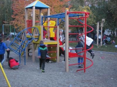 Детская площадка в Черновцах - от инспектора Фреймут (ФОТО)