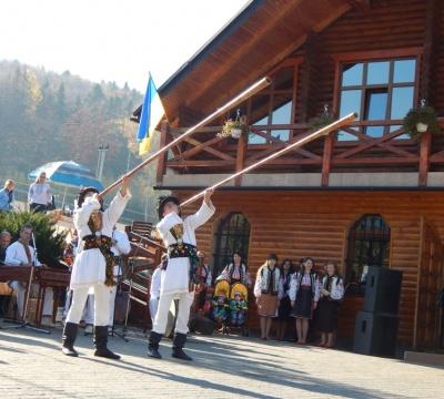 Міжнародний фестиваль гірських професій проходить на Буковині (ФОТО)