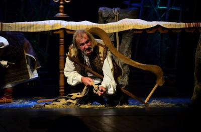 Театр из Коломыи сыграл в Черновцах спектакль-мистерию об гуцульских обрядах (ФОТО)