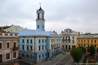 Черновицкий горсовет отказался вносить в повестку дня вопрос об избрании секретаря совета