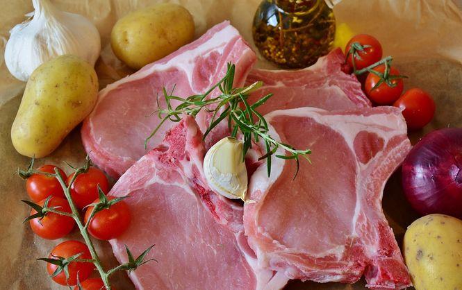 Росія заборонила ввезення м'яса і живих свиней зУкраїни