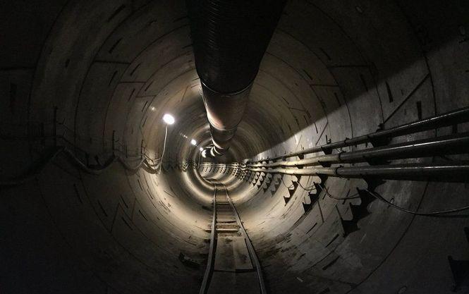 Ілон Маск похизувався підземним автотунелем, який риє під Лос-Анджелесом