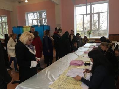 Вибори в ОТГ на Буковині: кандидат у депутати виконував обов'язки заступника голови виборчої комісії
