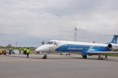 Вечірній літак з Києва прилетів до Чернівців сьогодні вранці