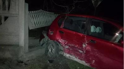 Два легковики зіштовхнулися на Буковині – водія госпіталізовано