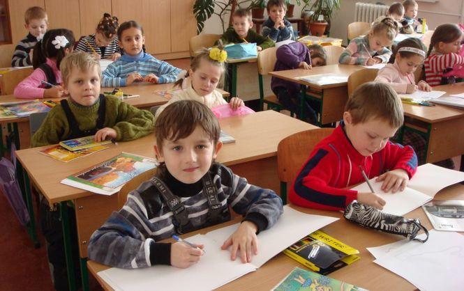 УКиївраді пропонують заборонити політичну агітацію вшколах