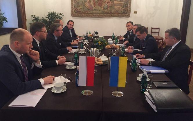 Україна таПольща хочуть зняти мораторій наексгумацію