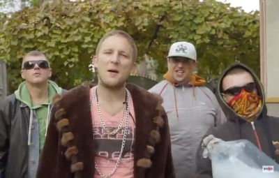 Стеб над «рагулизмом» и «жлобологией». В Черновцах группа Halabuda Band презентовал клип на песню «Буна Диминяца»
