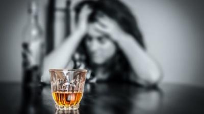Вчені визначили психологічну причину алкоголізму
