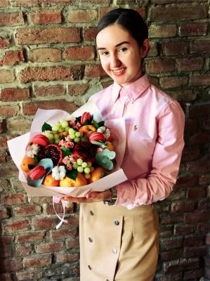"""""""Бачила себе у бізнесі з 16 років """". Чернівчанка відкрила інтернет-магазин незвичної флористики"""