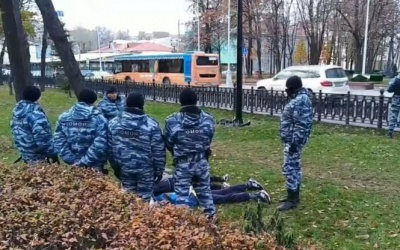 У центрі Москви правоохоронці затримали кілька десятків людей