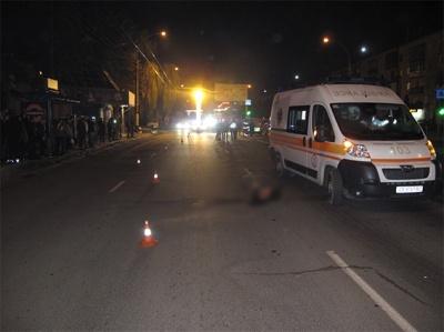 Поліція закликає допомогти розшукати винуватця смертельної ДТП у Чернівцях