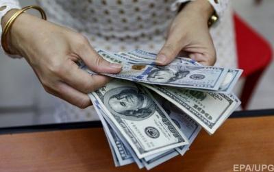 Українці вперше за три роки купили валюти більше, ніж продали