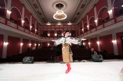 Благодійний концерт театру народних танців: куди піти у Чернівцях 7 листопада