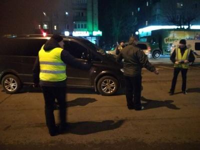 У Чернівцях перекрили частину проспекту Незалежності: поліція відтворює трагічну ДТП