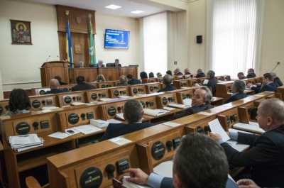 Чернівецька облрада відмовилась розглядати звернення до Порошенка щодо «мовної» статті закону про освіту