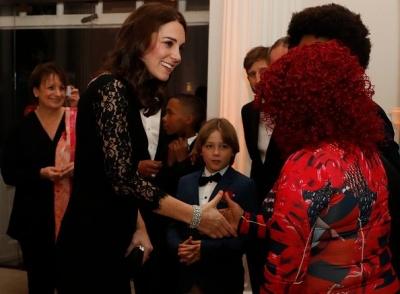 Вагітна Кейт Міддлтон вразила вишуканим образом на благодійній вечірці: фото