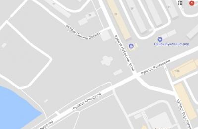 У Чернівцях вулицю Пилипа Орлика хочуть з'єднати з вулицею Комарова проїздом: з'явилась е-петиція