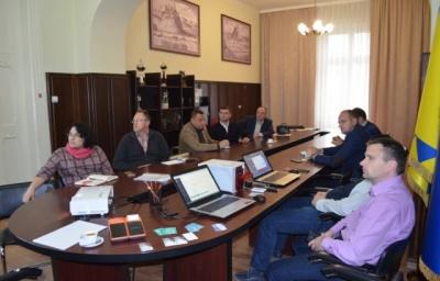Делегація Чернівців вивчає мукачівський досвід електронного квитка