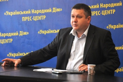 У Чернівцях голова Комітету виборців розповів про успішність нардепів за три роки