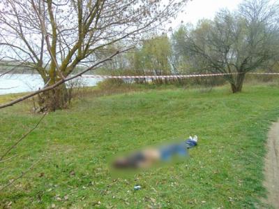 У Чернівецькій області поблизу річки знайшли труп чоловіка: поліція шукає вбивцю