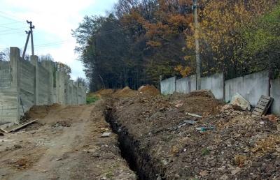 У райцентрі Буковини ремонтують водопровід