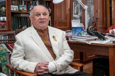 У Чернівцях помер відомий телеведучий Василь Селезінка