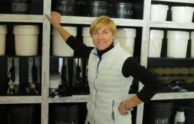Буковинка працювала 20 років малярем в Італії, щоб відкрити магазин