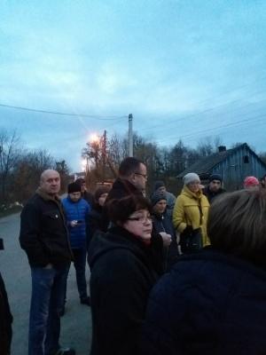 У Чернівцях мешканці Садгори розблокували дорогу до сміттєзвалища - до них виїхав Каспрук