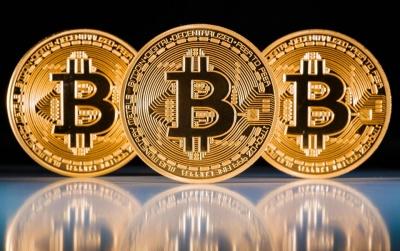 Bitcoin за вихідні подешевшав на 10%