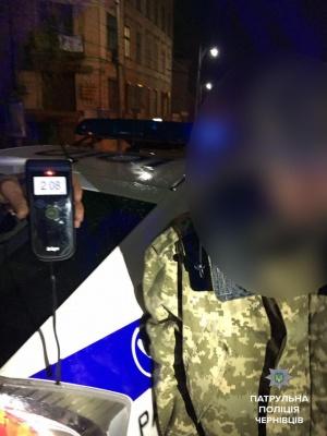 У Чернівцях затримали п'яного водія без прав, який вчинив ДТП