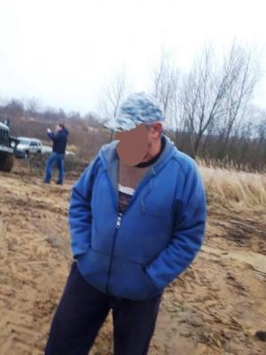 У Чернівецькій області затримали групу осіб, яка незаконно видобувала гравій