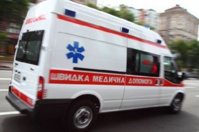 У Києві дівчина стрибнула з 5 поверху, через те, що мати забрала у неї планшет