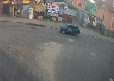 Чернівчанин украв авто, щоб покататися, а потім кинув