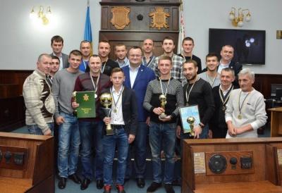 У Чернівецькій міськраді нагородили найкращих футболістів міського чемпіонату
