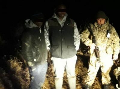 У Чернівецькій області двоє осіб намагались незаконно переправити африканців до Румунії