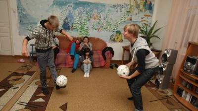 Інтернати в Україні пропонують замінити малими груповими будиночками і соцквартирами